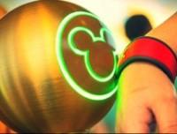 迪士尼乐园推电子门票腕带MagicBand