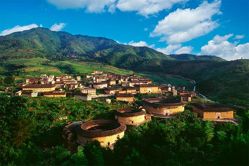 中国古村落旅游开发戏在何方:资源与现状