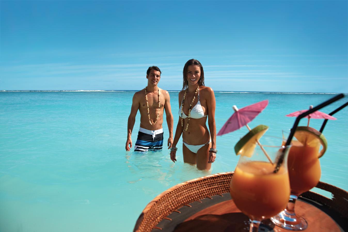 中信旅游:库克群岛旅游中国首发团组团出发