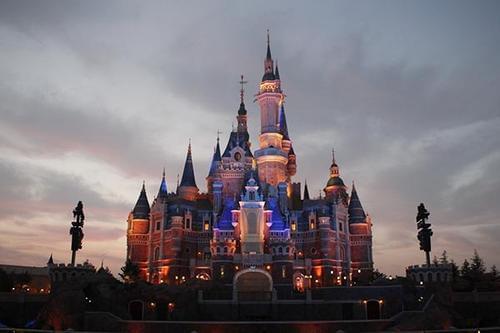 下一座迪士尼在哪儿?人多、有钱、靠大海