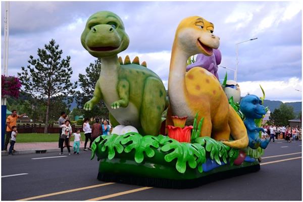 恐龙家园主题花车
