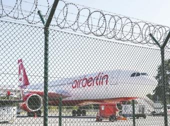 多家航企破产 欧洲航空业整合在即