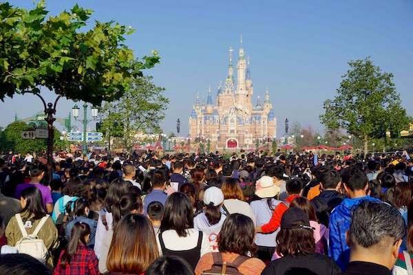 缺乏引导,迪士尼排队体验差遭诟病