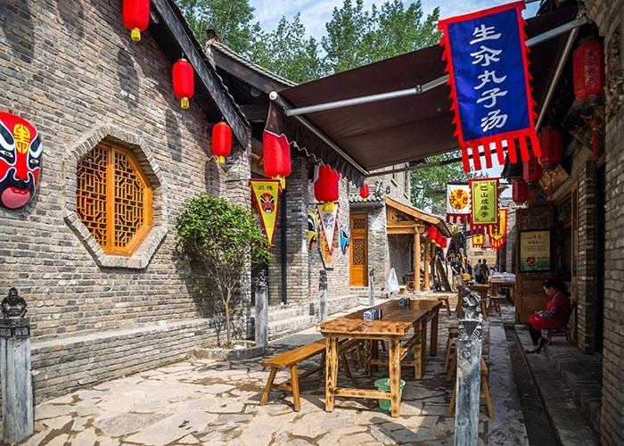白鹿原走下神坛:特色文旅项目扎堆 主营全是吃吃吃