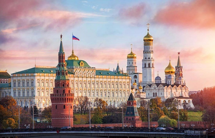腾邦俄罗斯旅游团14人疑似食物中毒,如何赔偿闹到上法庭