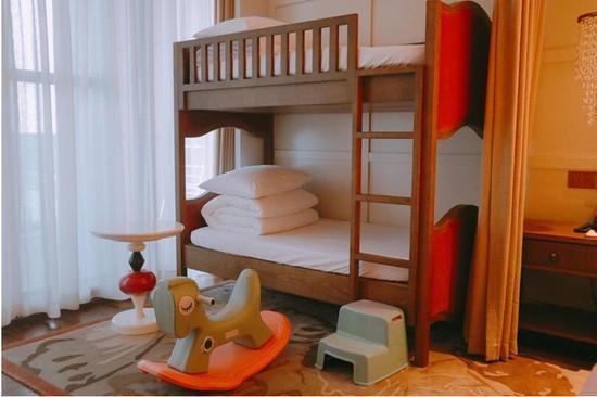 亲子酒店2.0热战暑假 拼完硬件拼想法