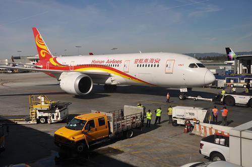 """中国将成全球最大航空市场 """"回归主业""""的海航能自救吗?"""