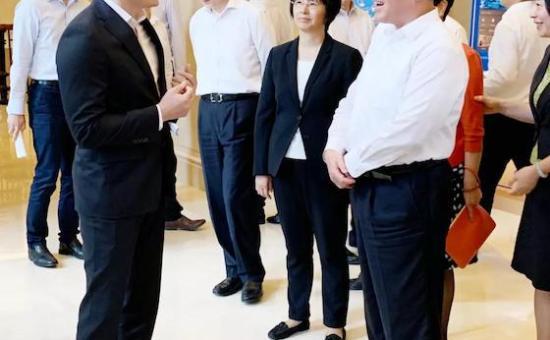 上海市委书记李强调研演艺大世界 洪清华就文商旅融合作汇报
